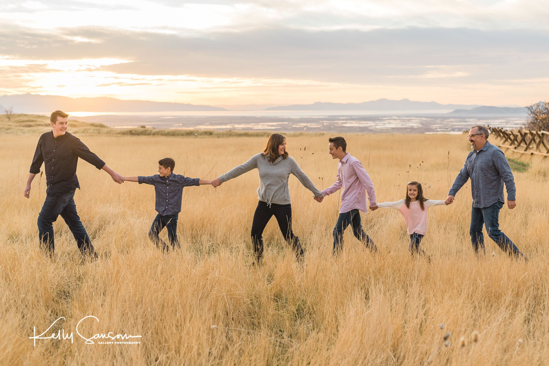 family photography at tunnel springs park