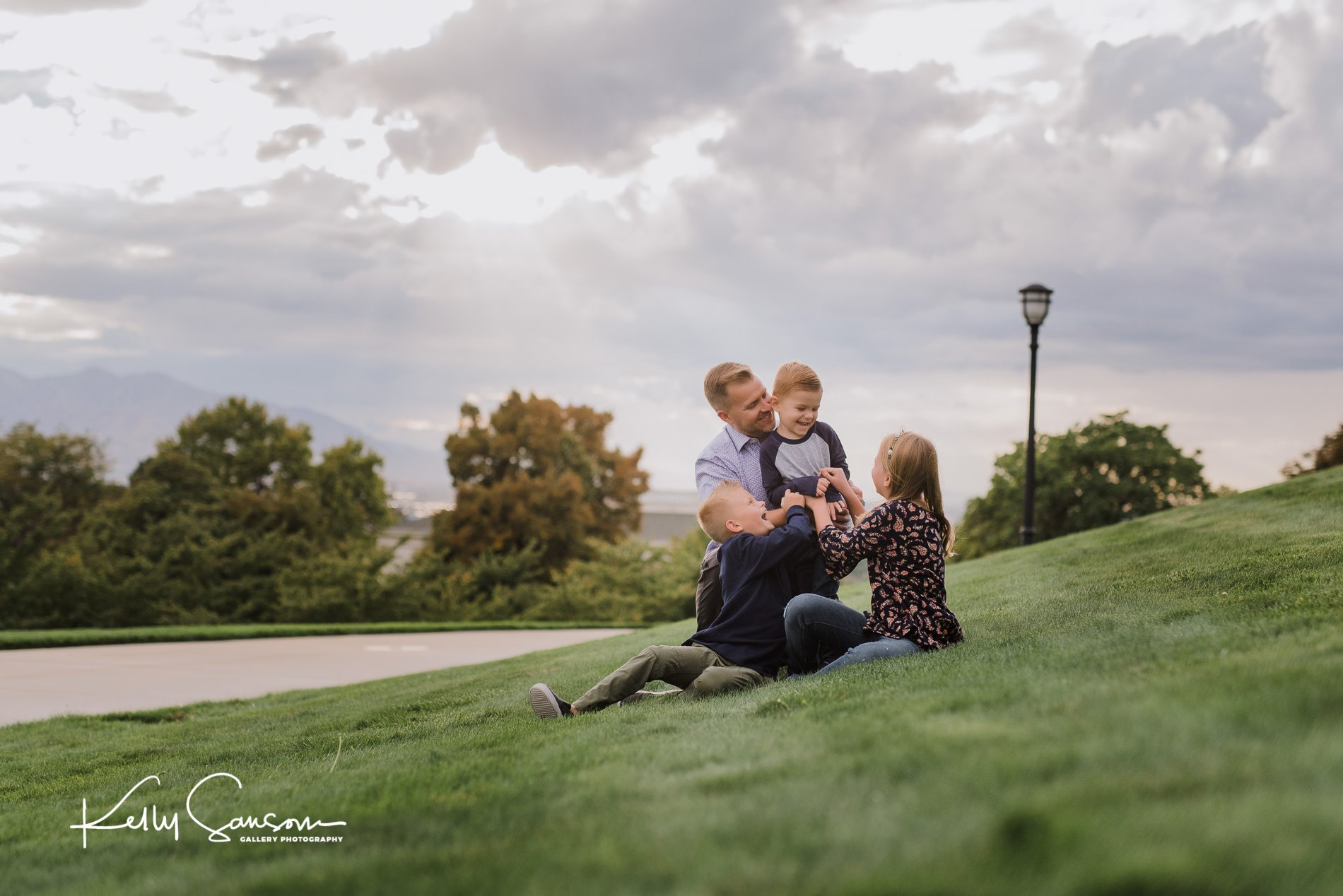 family photography at utah state capitol-7